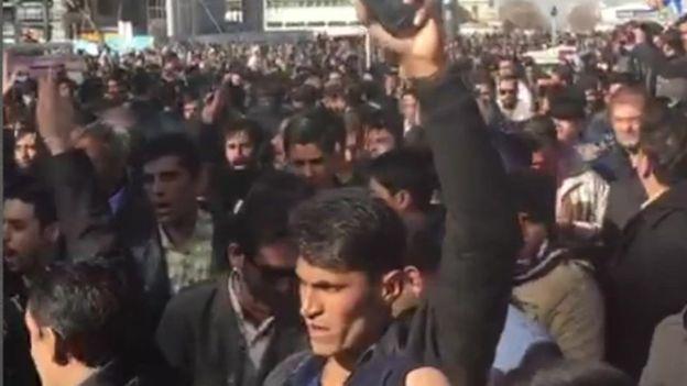 واشنطن تدين اعتقال المتظاهرين في إيران