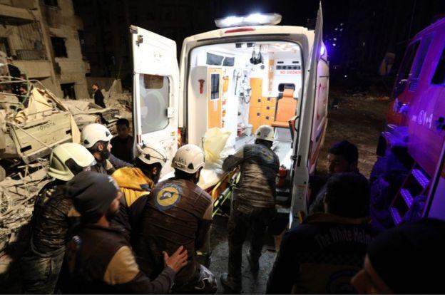 تقارير عن مقتل 23 شخصا في انفجار بمدينة إدلب السورية