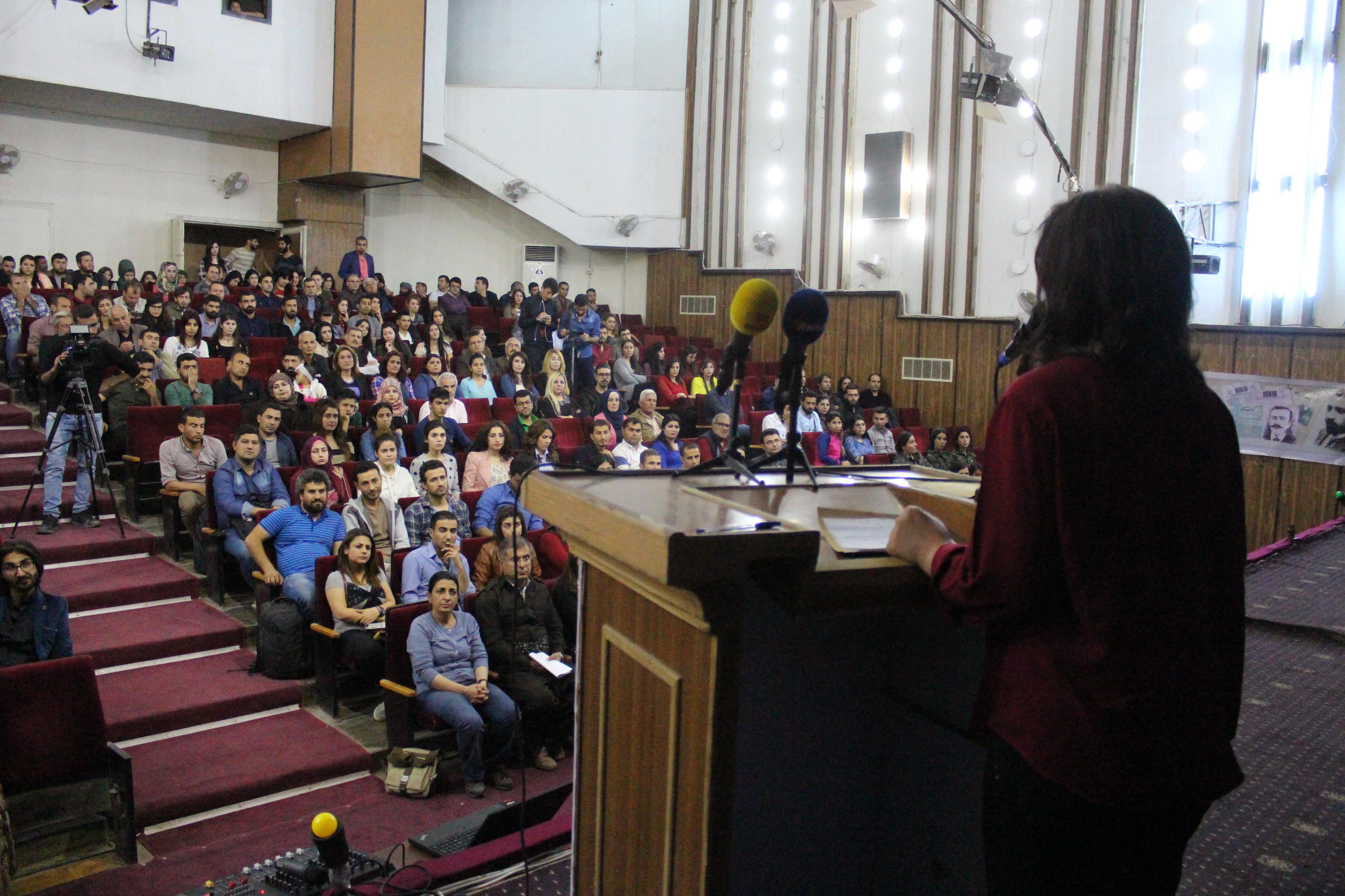 الاعلام الحر يحيي عيد الصحافة في مدينة قامشلو