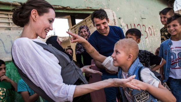 جولي تحث المجتمع الدولي على عدم نسيان مدينة الموصل وسكانها المعدمين