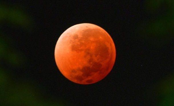 خسوف القمر: ما يجب معرفته عن ظاهرة