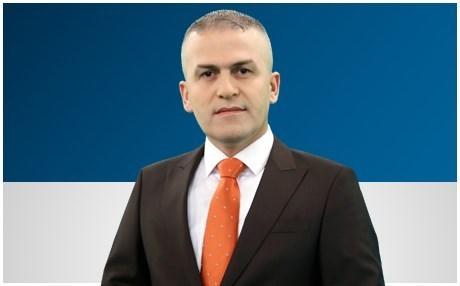 الافراج عن الاعلامي عمر كالو